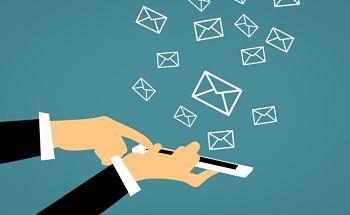 Los SMS no son útiles, ¡por eso te regalamos 100! title=